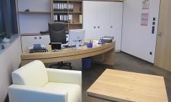 Büroeinrichtung in Kirschbaum