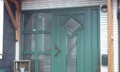 Haustür mit feststehenden Seitenelement