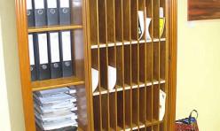 Hotelschrank in Kirschbaum gebeizt