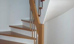 Treppenstufen und –Geländer in Buche